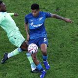 Wilmar Barrios en acción en el encuentro de este miércoles frente a la Lazio.