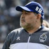 """Maradona insiste en dejar el hospital: """"Diego es muy difícil"""", dice su médico"""