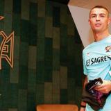 Cristiano Ronaldo a su llegada a la concentración de Portugal.