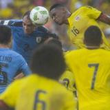 El duelo entre Colombia y Uruguay en Barranquilla durante la Eliminatoria rumbo a Rusia-2018 se disputó en medio de la lluvia.