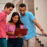 Nuevo paso en el Congreso para limitar costos excesivos en las universidades
