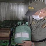 Incautan contenedor con 200 cilindros de gases refrigerantes