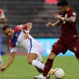 Venezuela ganó por 2-1 este martes a Chile en el estadio Olímpico de Caracas.