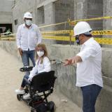 Gobernadora Elsa Noguera inspecciona las obras.