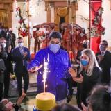 En video   Maduro intentó soplar la vela de su cumpleaños con tapaboca