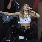 Miley Cyrus, como una locomotora con su