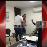 En video | Investigador de la Sijín agrede a un capturado