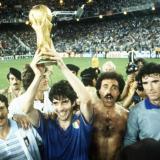 Sus amigos y compañeros, con los que ganó el Mundial, se despidieron de Paolo Rossi.