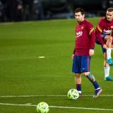 Lionel Messi, durante un calentamiento con el FC Barcelona.