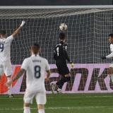 Encarrila Casemiro, renace Asensio y sobrevive el Madrid