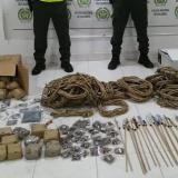 Policía incauta más de 1.600 unidades de pólvora en Montelíbano