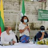 La consejera  Nancy Patricia Gutiérrez (centro), durante una visita que realizó a San Juan de Nepomuceno (Bolívar), a mediados de diciembre.
