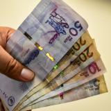 Polémica y división en torno al aumento del salario mínimo