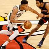 Los Bucks se vengan de los Heat