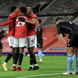 El Manchester United caza al líder