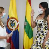 La posesión de Diana Acosta (derecha)  se dio este lunes en el despacho de la gobernadora  Elsa Noguera.