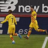 Lionel Messi celebra con Griezmann uno de sus dos tantos de este miércoles ante el Athletic.