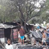 Voraz incendio arrasó con al menos 27 viviendas en el sur de Montería