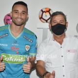 José Luis Chunga firmó dos años con Jaguares