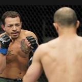 "Luchador de UFC apuñaló a sus hermanas porque un ""poder superior"" le dijo"