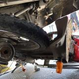 Muere parrillera en moto tras ser embestida por un bus de Transmetro