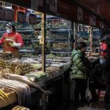 China decreta confinamiento en otra ciudad para evitar propagación de Covid
