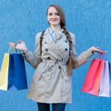 Con la estrategia del 'Blue Monday' muchos salieron de compras a los almacenes.