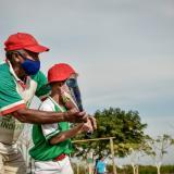 Los excombatientes buscan llevar la cultura del béisbol a 500 niños de la ciudad.