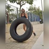 El entrenamiento dura una hora y se realizan múltiples ejercicios de resistencia, coordinación y fuerza.
