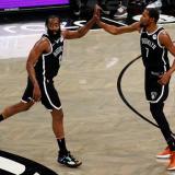 Los Nets, con Harden y Durant, superaron 125-123 a los Milwaukee Bucks.