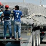 Tres jóvenes se accidentaron por ir de polizones en una 'Mula'