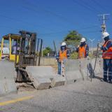 Autoridades de tránsito cierran pasos irregulares en la avenida Circunvalar