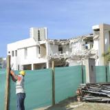 Trabajos de demolición en la parroquia.
