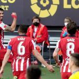 El Atlético de Madrid vence al Cádiz por 4-2.