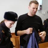 La Justicia rusa condena a Navalni a tres años y medio de prisión