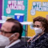 Chile inicia vacunación masiva con miras a inocular a 5 millones en marzo