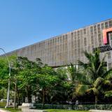 Aspecto frontal del Centro de Eventos Puerta de Oro de Barranquilla.