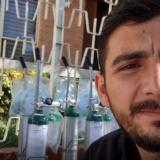 'Influencer' mexicano rifa su coche para comprar y prestar tanques de oxígeno
