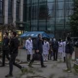 """La misión de la OMS abandona China, que considera """"solo el inicio del camino"""""""