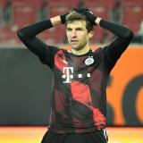 Otro golpe para el Bayern: Müller positivo de covid-19