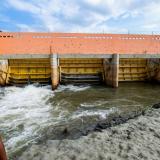 Compuertas de El Porvenir, donde la CRA realiza obras de mantenimiento para cerrarlas y frenar la filtración de agua desde el embalse.
