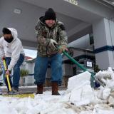 Histórica tormenta de nieve cubre Texas y deja sin luz a México