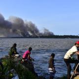 Barranquilla se vuelve a llenar de humo por incendio en Salamanca