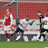Raheem Sterling celebra su gol ante el Arsenal.