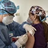 Barranquilla cumplió con vacunación del primer lote a personal de la salud