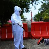 La desinfección de calzado era una de las prácticas que muchas empresas le realizaban a sus empleados en Barranquilla. La medida ya no es obligatoria.