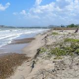 En este sector de Santa Verónica, en Juan de Acosta, se investiga el uso indebido de las áreas de playa.
