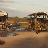Señalan que incendio de buses en Cerrejón fue provocado