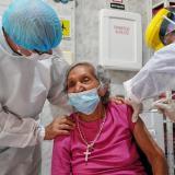 En municipios del Atlántico la vacunación de los mayores de 80 comienza este viernes.