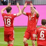 El Bayern goleó por 5-1 al Colonia.